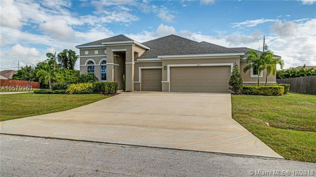 4365 SW Masefield St, Port St. Lucie, FL 34953 (MLS #A10579963) :: The Teri Arbogast Team at Keller Williams Partners SW