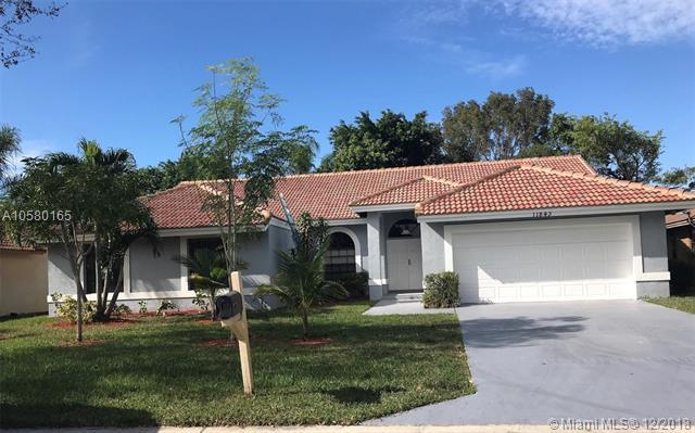 11843 NW 2 MA, Coral Springs, FL 33071 (MLS #A10580165) :: Green Realty Properties