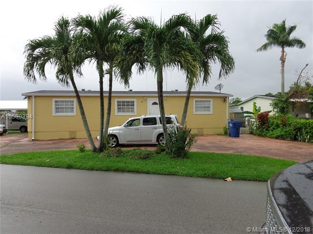19800 SW 180th Ave, Miami, FL 33187 (MLS #A10580394) :: Green Realty Properties