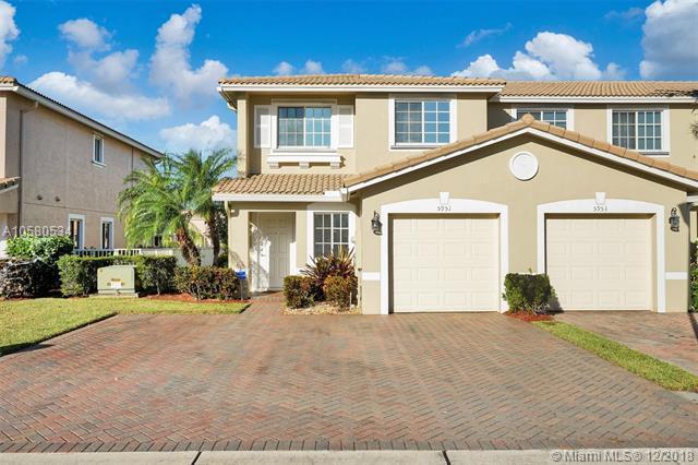 5951 Abbey Rd, Tamarac, FL 33321 (MLS #A10580534) :: Miami Villa Team
