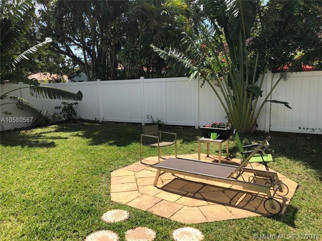 746 NE 83rd St Rear, Miami, FL 33138 (MLS #A10580567) :: The Jack Coden Group