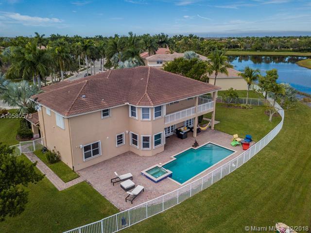 1069 Nautica Dr, Weston, FL 33327 (MLS #A10580573) :: Green Realty Properties