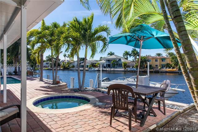 1519 SW 6th Ter, Boca Raton, FL 33486 (MLS #A10580690) :: The Howland Group
