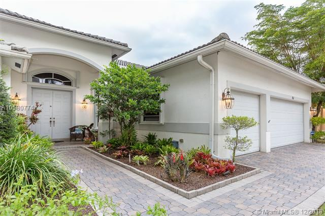 1762 Harbor Pointe Circle, Weston, FL 33327 (MLS #A10580774) :: The Howland Group