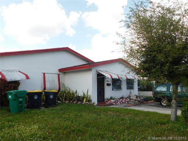 121 NW 11th Ave, Dania Beach, FL 33004 (MLS #A10580778) :: Miami Villa Team