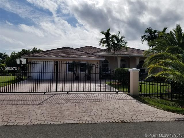 12252 NW 25th St, Plantation, FL 33323 (MLS #A10580781) :: The Teri Arbogast Team at Keller Williams Partners SW