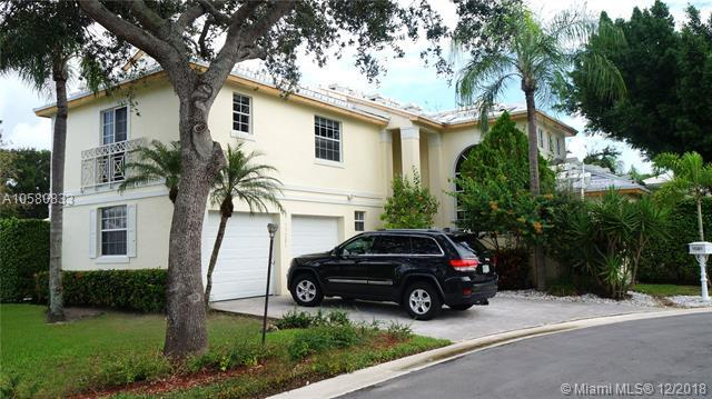 15281 Wilshire Ct, Pembroke Pines, FL 33027 (MLS #A10580833) :: Laurie Finkelstein Reader Team