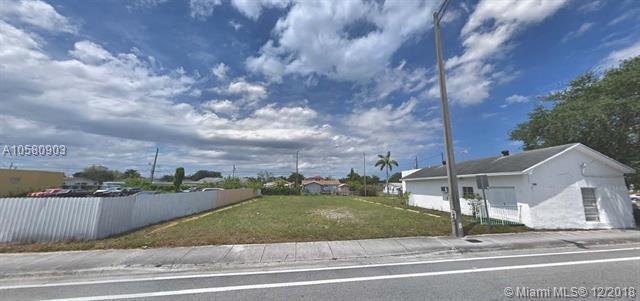 5221 Pembroke Rd, Hollywood, FL 33021 (MLS #A10580903) :: Miami Villa Team