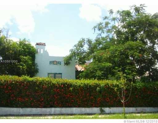 844 30th Ct, West Palm Beach, FL 33407 (MLS #A10581030) :: Miami Villa Team