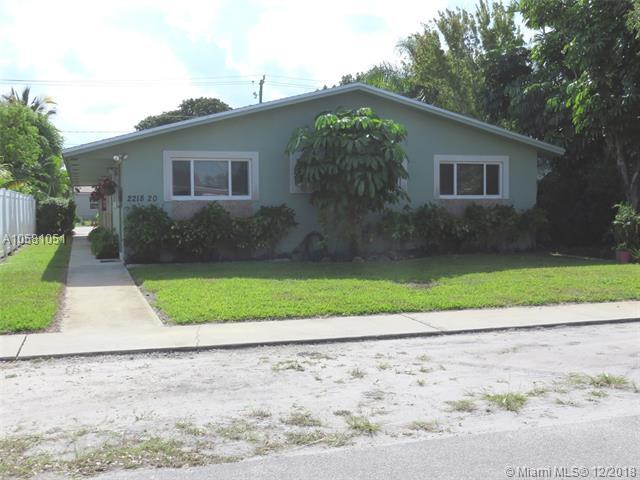 2218 Thomas St, Hollywood, FL 33020 (MLS #A10581051) :: Miami Villa Team