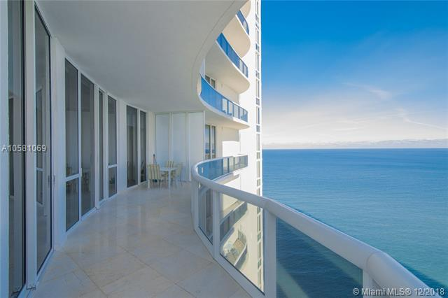 16001 Collins Ave #3807, Sunny Isles Beach, FL 33160 (MLS #A10581069) :: United Realty Group
