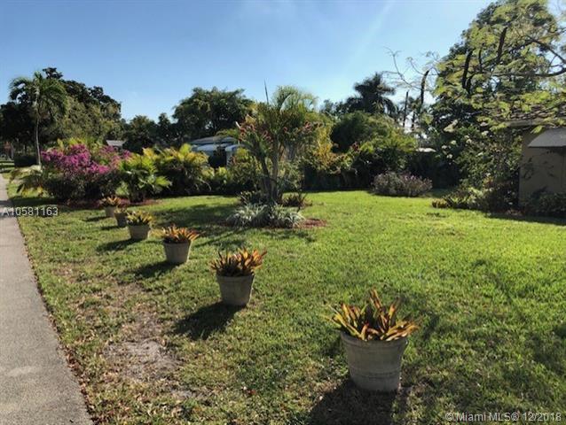 1616 Rodman St, Hollywood, FL 33020 (MLS #A10581163) :: Green Realty Properties