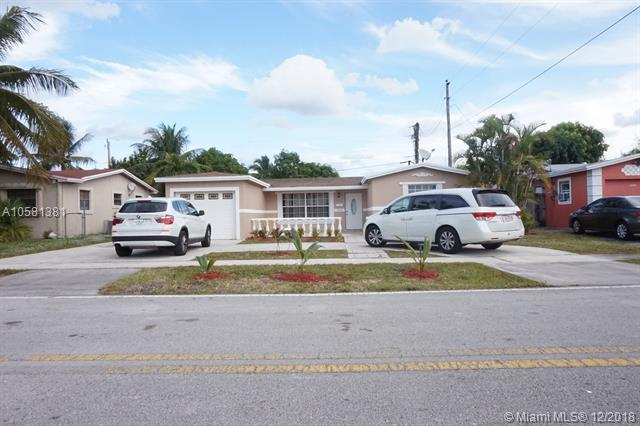 3916 NW 38th Ter, Lauderdale Lakes, FL 33309 (MLS #A10581381) :: Castelli Real Estate Services