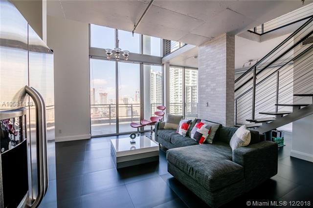 690 SW 1st Ct Phi09, Miami, FL 33130 (MLS #A10581418) :: The Jack Coden Group