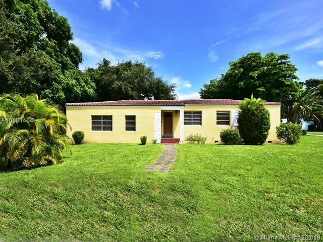 12015 NE 10th Ave, Biscayne Park, FL 33161 (MLS #A10581464) :: The Jack Coden Group