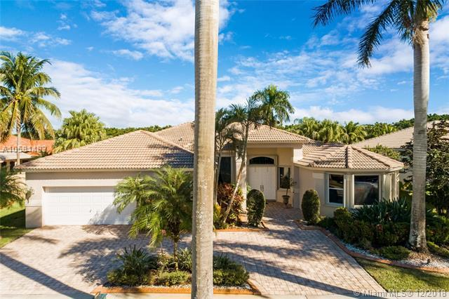 2460 Eagle Run Way, Weston, FL 33327 (MLS #A10581483) :: The Teri Arbogast Team at Keller Williams Partners SW
