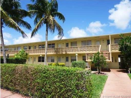 701 Pine Dr #201, Pompano Beach, FL 33060 (MLS #A10581550) :: Miami Villa Team