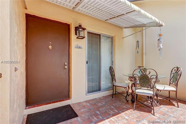 214 Briarwood Cir 2-9, Hollywood, FL 33024 (MLS #A10581564) :: Green Realty Properties