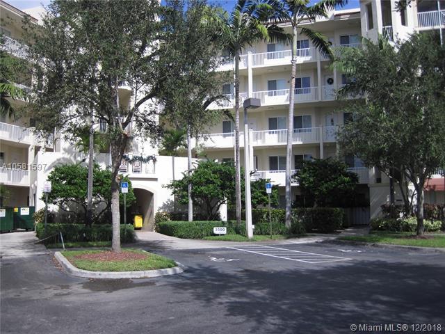 3500 Oaks Clubhouse Dr #405, Pompano Beach, FL 33069 (MLS #A10581597) :: Miami Villa Team