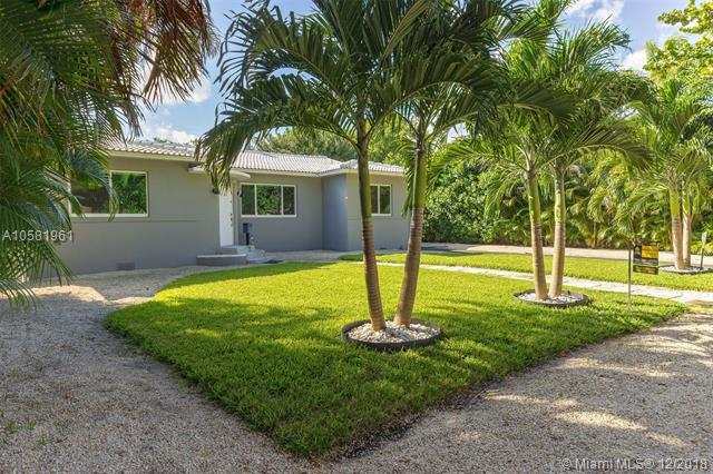 920 NE 118th Street, Biscayne Park, FL 33161 (MLS #A10581961) :: The Jack Coden Group