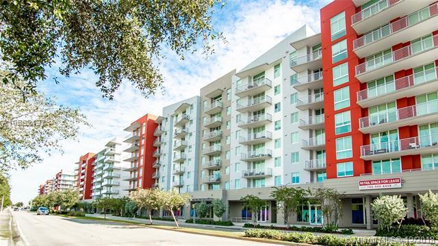 7661 NW 107th Ave #208, Doral, FL 33178 (MLS #A10582137) :: Miami Villa Team