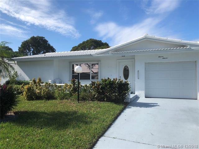 1111 NW 90th Way, Plantation, FL 33322 (MLS #A10582200) :: United Realty Group