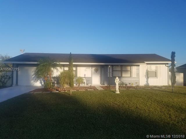 1899 SE Sandia Dr, Port St. Lucie, FL 34983 (MLS #A10582215) :: Miami Villa Team