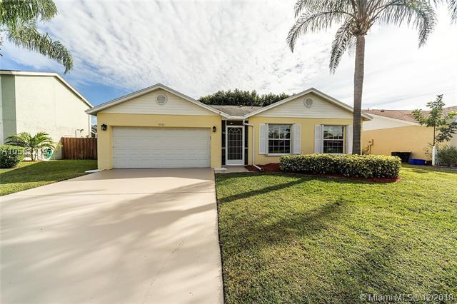 9930 Holly Hill Drive, Boynton Beach, FL 33437 (MLS #A10582219) :: Green Realty Properties