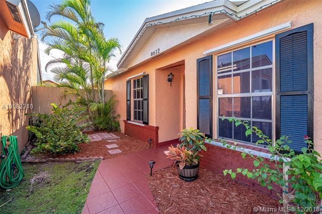 8612 NW 192nd Ter, Hialeah, FL 33015 (MLS #A10582310) :: Miami Villa Team
