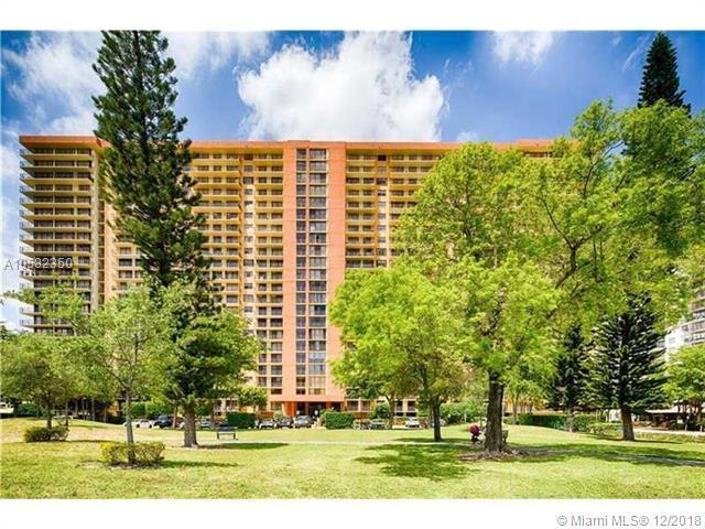 290 174th St #407, Sunny Isles Beach, FL 33160 (MLS #A10582350) :: The Riley Smith Group