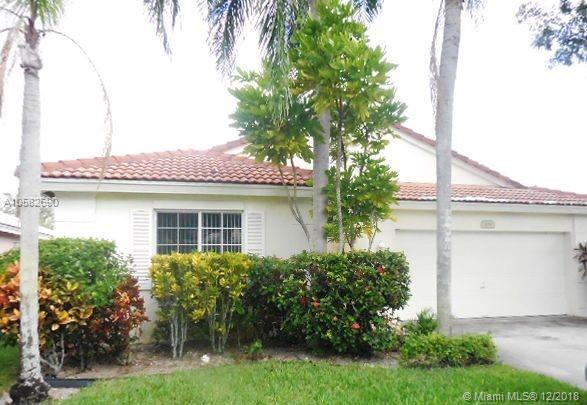 504 NW 45th Ter, Deerfield Beach, FL 33442 (MLS #A10582690) :: Miami Villa Team