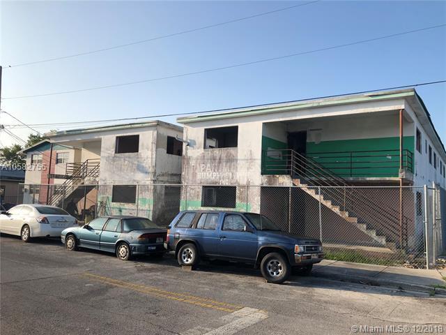 740 SW Avenue B Pl, Belle Glade, FL 33430 (MLS #A10582755) :: Grove Properties