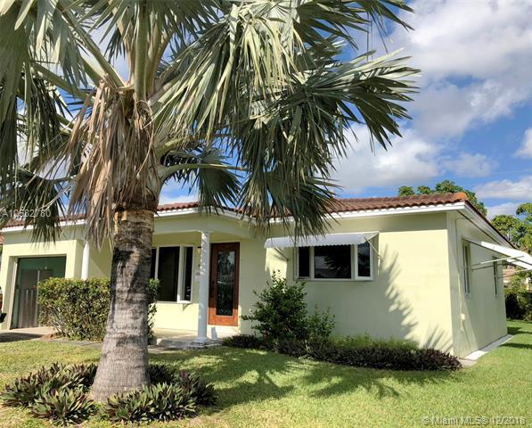 221 SE 3rd Pl, Dania Beach, FL 33004 (MLS #A10582780) :: Miami Villa Team