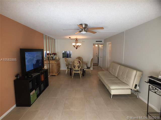 3170 Holiday Springs Blvd 6-305, Margate, FL 33063 (MLS #A10582885) :: Green Realty Properties