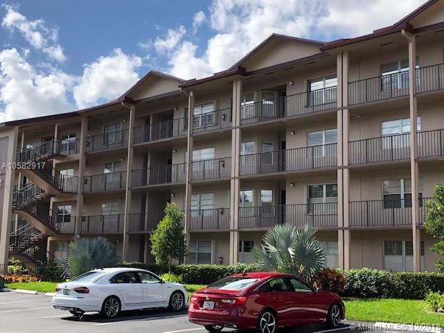 100 SW 130th Ter 401C, Pembroke Pines, FL 33027 (MLS #A10582917) :: Miami Villa Team