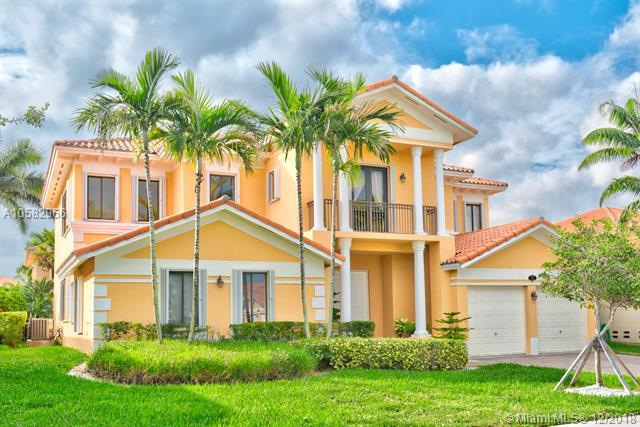7964 SW 194th St, Cutler Bay, FL 33157 (MLS #A10582966) :: Green Realty Properties