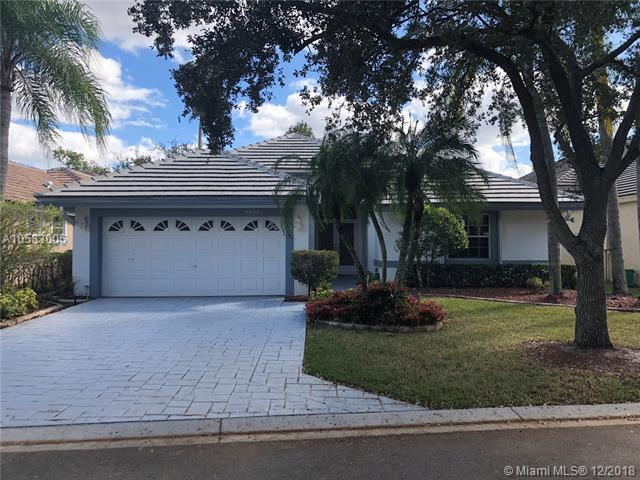 11728 Highland Place, Coral Springs, FL 33071 (MLS #A10583006) :: United Realty Group