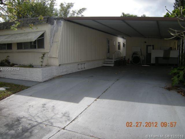 2165 SW 83rd Ave, Davie, FL 33324 (MLS #A10583114) :: Green Realty Properties
