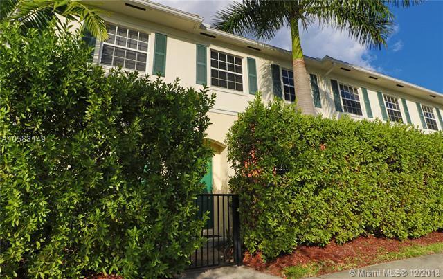 276 SW 7th Ct, Pompano Beach, FL 33060 (MLS #A10583149) :: Laurie Finkelstein Reader Team
