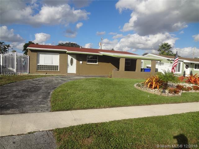 7571 Buchanan St, Hollywood, FL 33024 (MLS #A10583167) :: Green Realty Properties