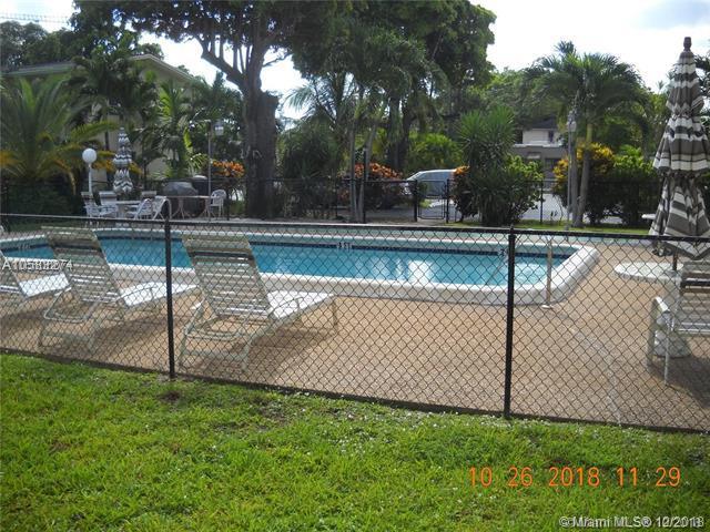 2303 Polk St #208, Hollywood, FL 33020 (MLS #A10583274) :: Miami Villa Team