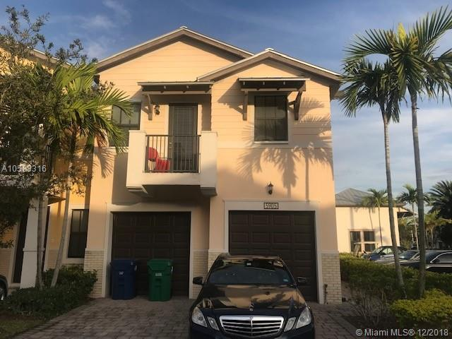 5905 NW 104th Path #5905, Doral, FL 33178 (MLS #A10583316) :: The Teri Arbogast Team at Keller Williams Partners SW