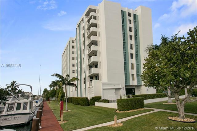 3210 SE 10th St 3E, Pompano Beach, FL 33062 (MLS #A10583345) :: Green Realty Properties