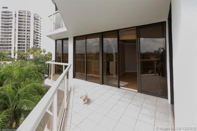 3610 Yacht Club Dr #510, Aventura, FL 33180 (MLS #A10583413) :: Green Realty Properties