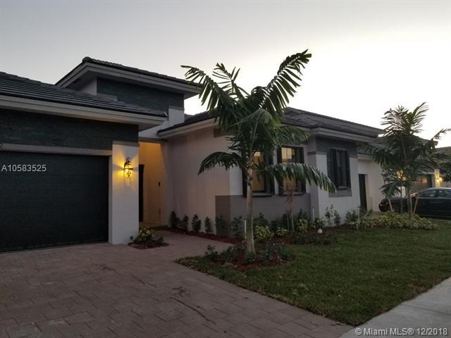 15832 SW 44th St, Miami, FL 33185 (MLS #A10583525) :: Laurie Finkelstein Reader Team