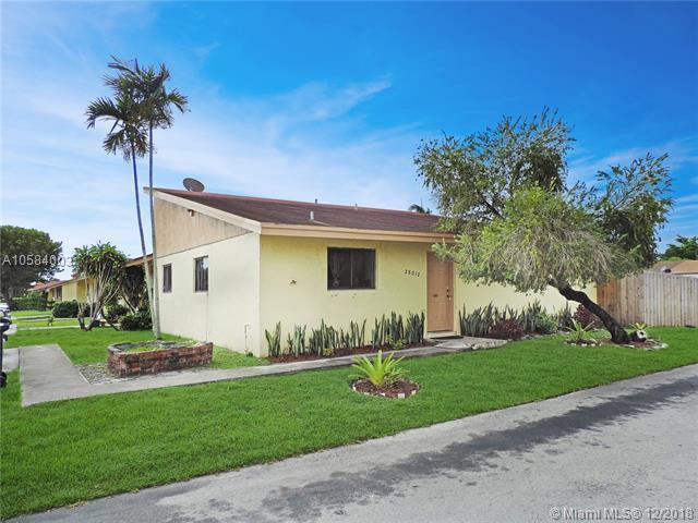 28012 SW 141st Pl, Homestead, FL 33033 (MLS #A10584003) :: Grove Properties