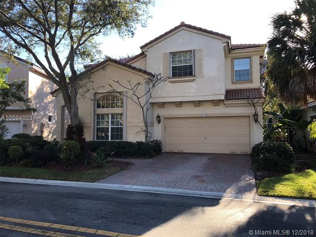 2120 NW 75th Way, Pembroke Pines, FL 33024 (MLS #A10584023) :: Laurie Finkelstein Reader Team
