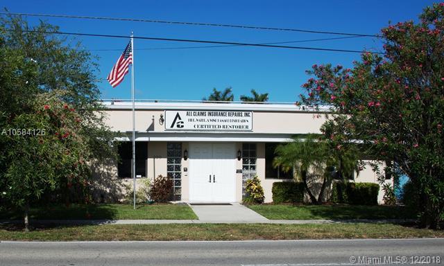 320 NE 1st Ave, Hallandale, FL 33009 (MLS #A10584126) :: Miami Villa Team