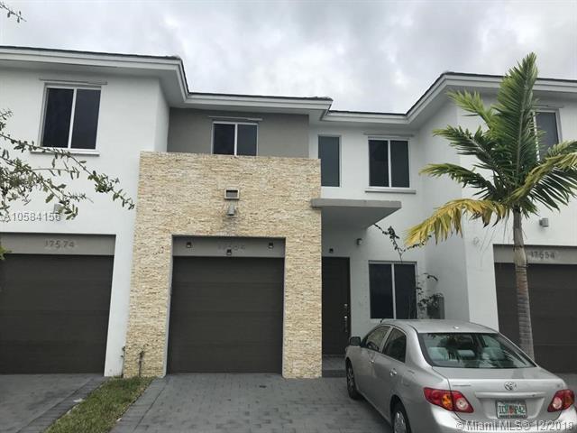 17564 SW 149th Pl, Miami, FL 33187 (MLS #A10584156) :: Green Realty Properties