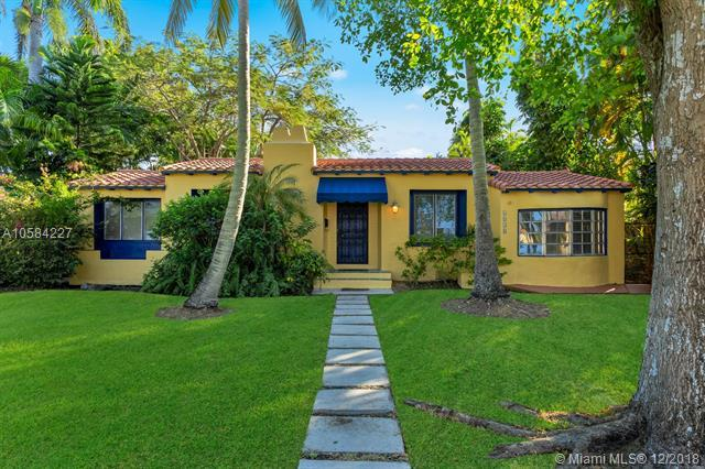 1038 Harrison St, Hollywood, FL 33019 (MLS #A10584227) :: RE/MAX Presidential Real Estate Group